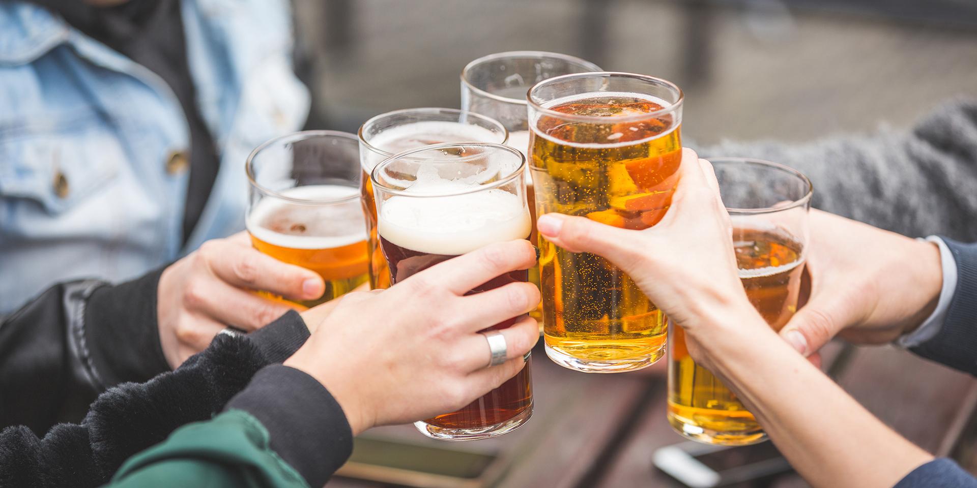 https://www.mountaineerstaphouse.com/wp-content/uploads/2018/01/beer-Cheers1.jpg