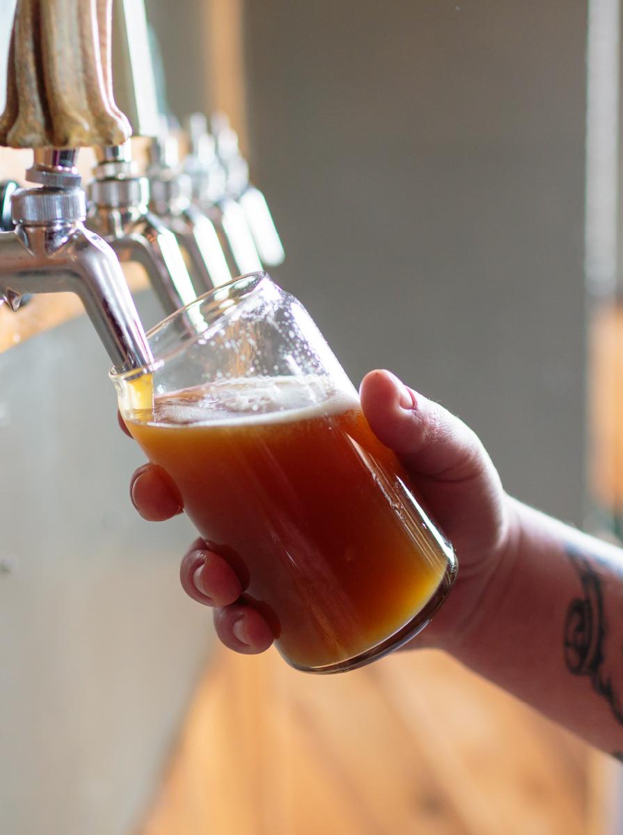 https://www.mountaineerstaphouse.com/wp-content/uploads/2018/01/beer-tap.jpg